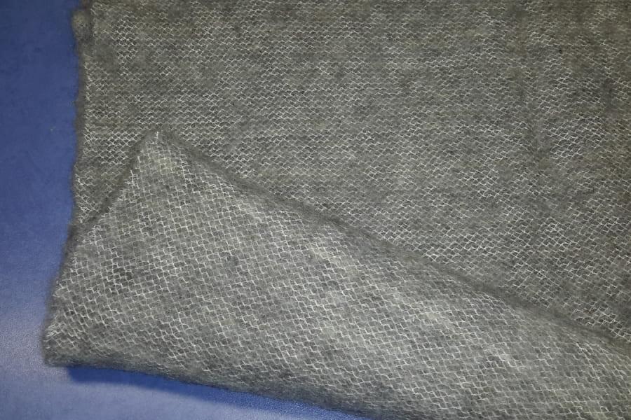 Серый утеплитель шерстяной (паутинка)