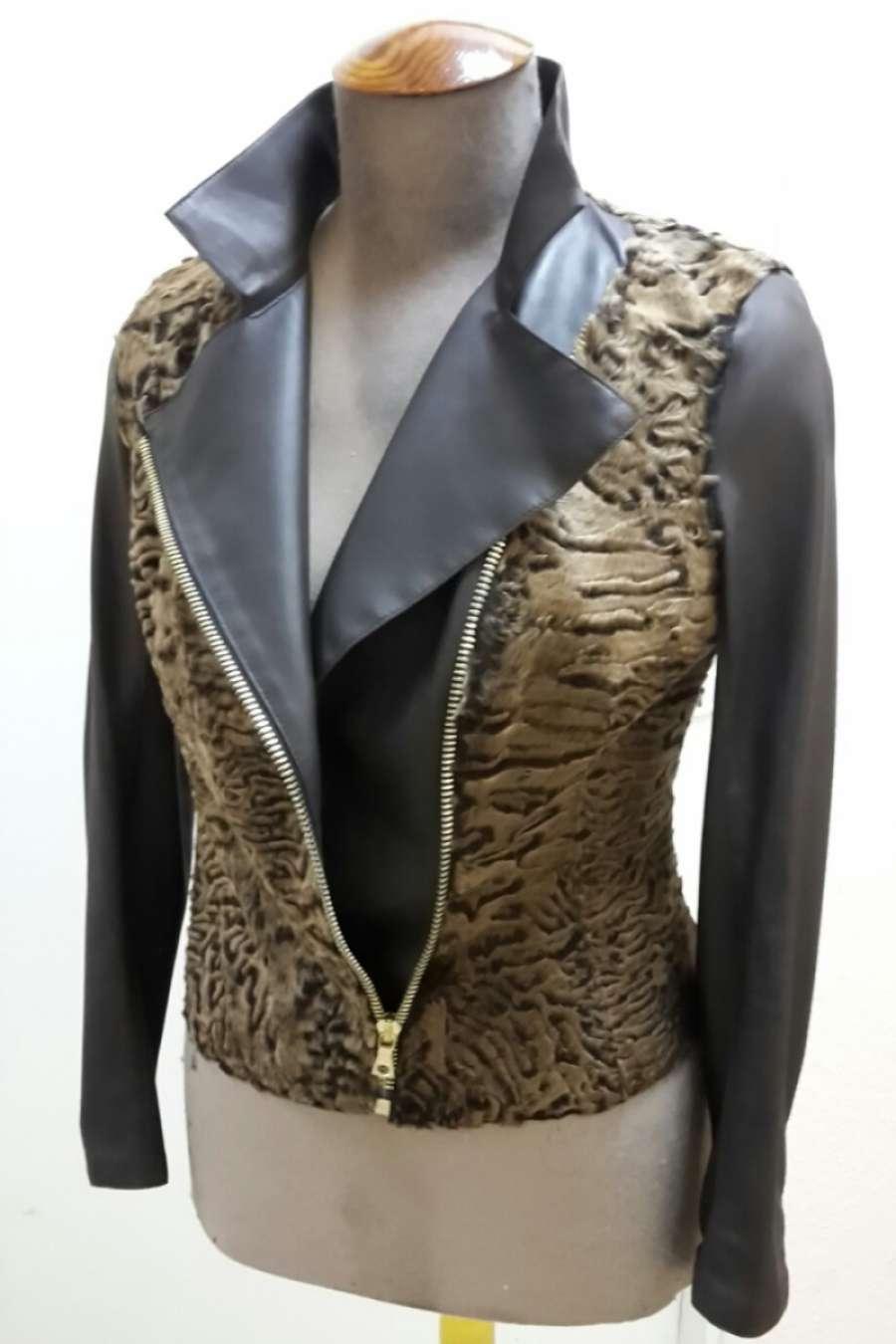 Куртка из каракуля с кожей