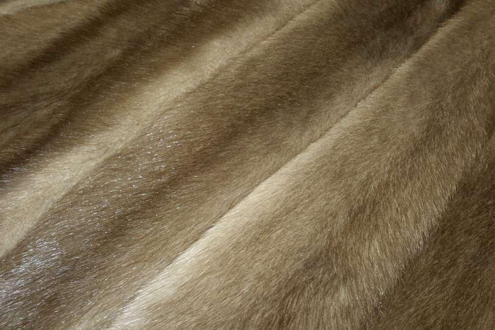 Шубный набор из норки пастель, самцы (рабочая длина шкурок 76-80 см).