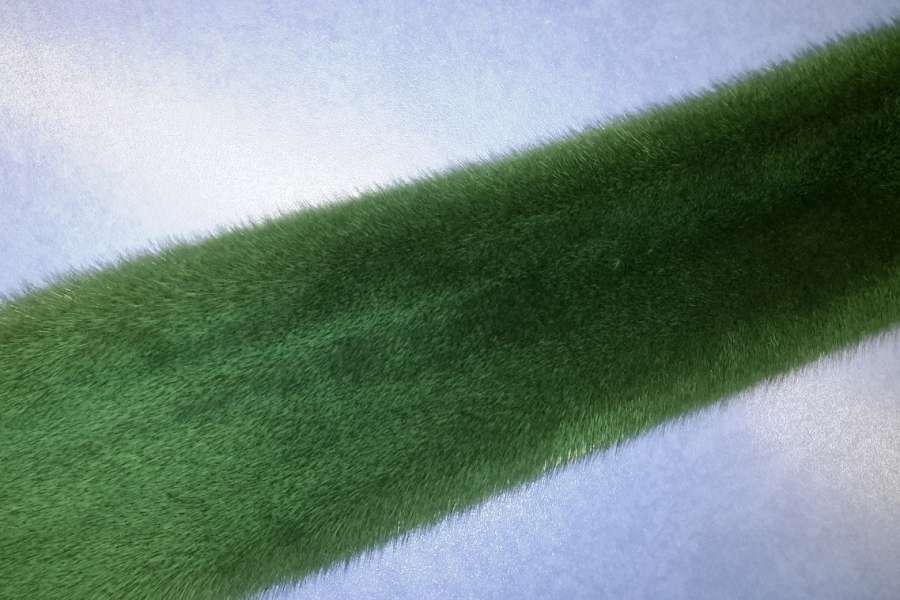 Норка крашеная в зеленый цвет