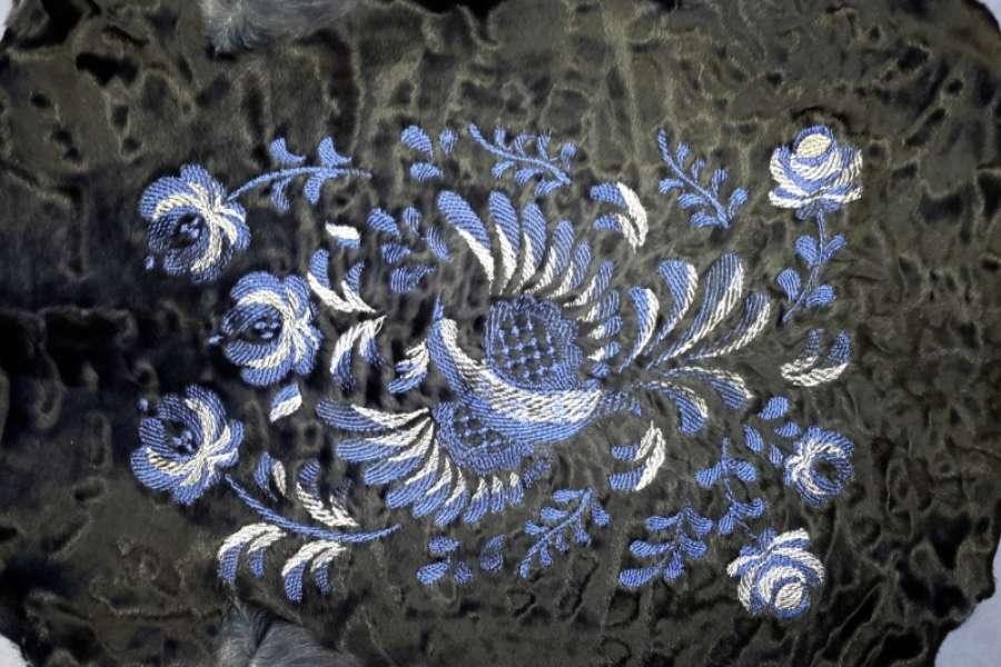 Каракуль с декоративной обработкой